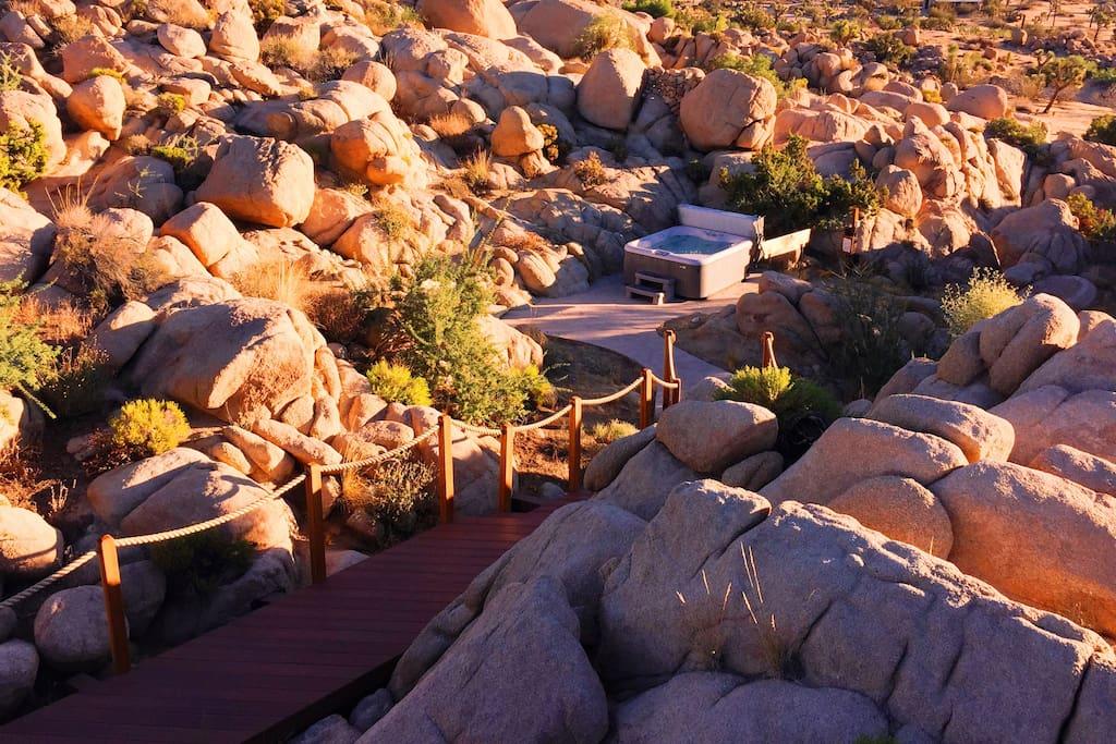 Six person hot tub in the boulders - a stargazer's dream!