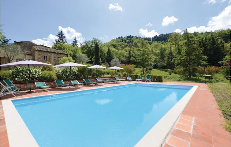 Holiday apartment with 3 bedrooms on 90 m² in Radda in Chianti