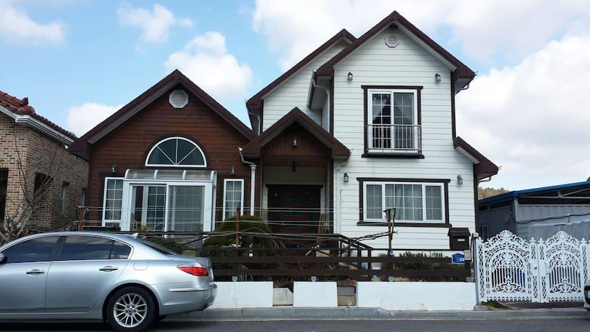 내집같이 편안하고 안락한 주택 - Ungnam 4-gil, Yeosu-si - Huis