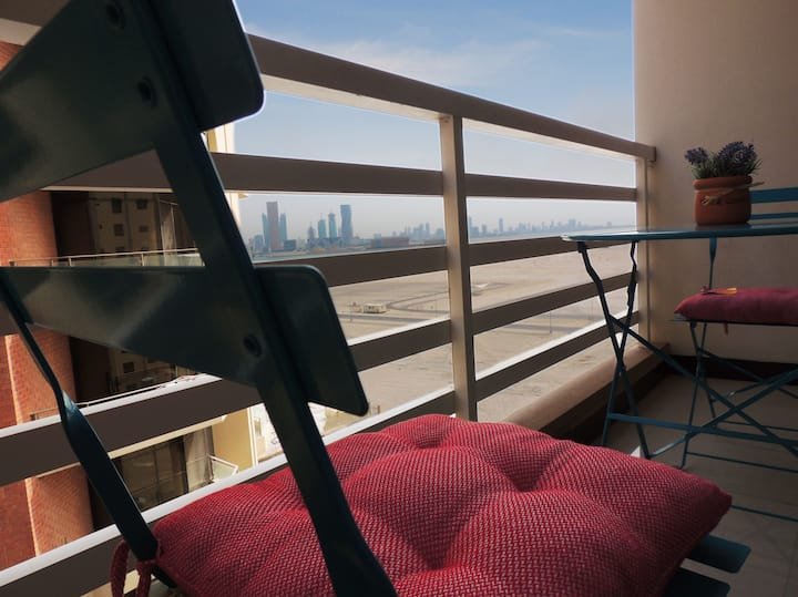 amazing location,  high floor, beautiful apartment