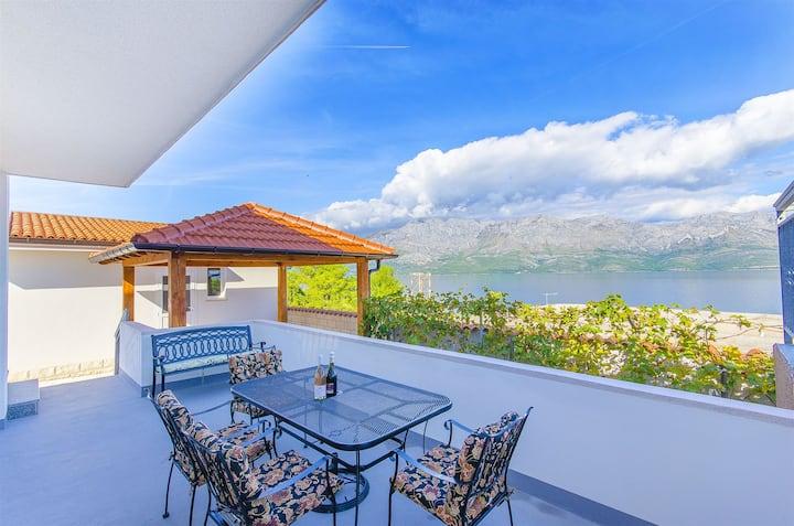 One bedroom Apartment, seaside in Sucuraj - island Hvar, Terrace