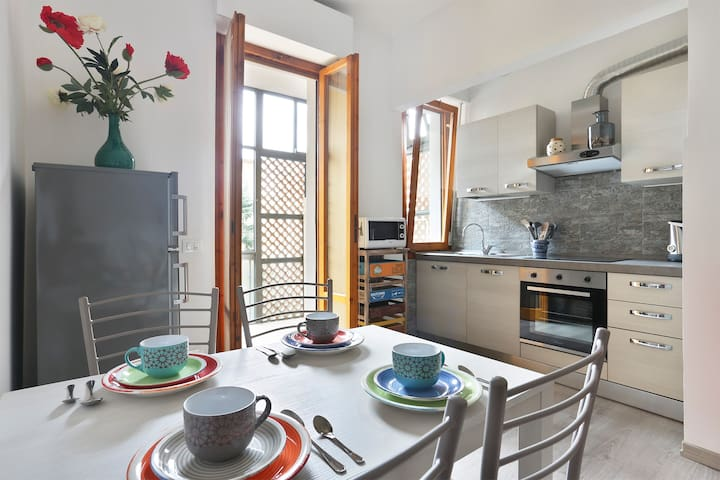 Cosy flat 2 steps from Florence centre