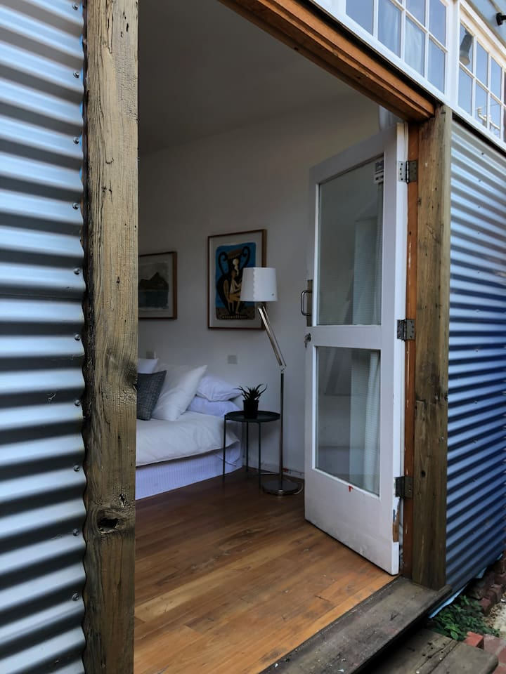 Richmond Hill apartment, Tennis, Olympic Park, MCG