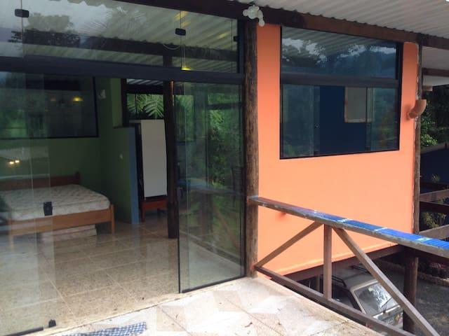 Casa Laranja - Cambury - Sertão do Cacau - São Sebastião - Vila