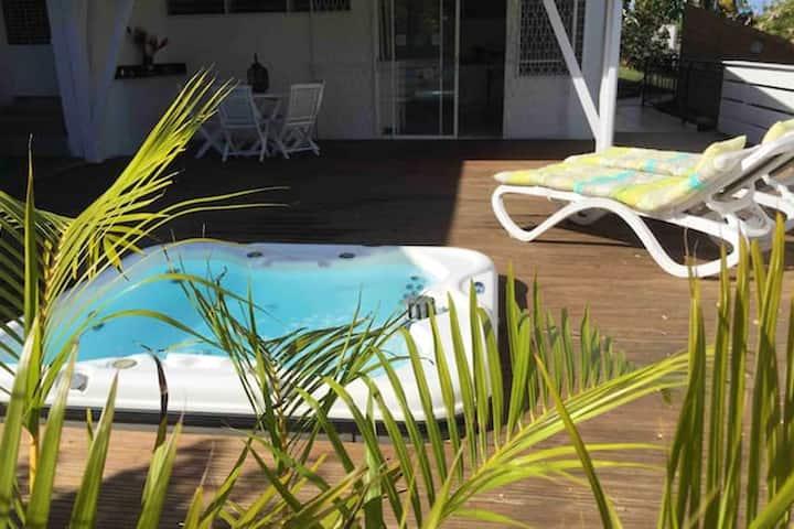 Hus med ett soverom i Les Trois-Îlets med inngjerdet hage og Wi-Fi