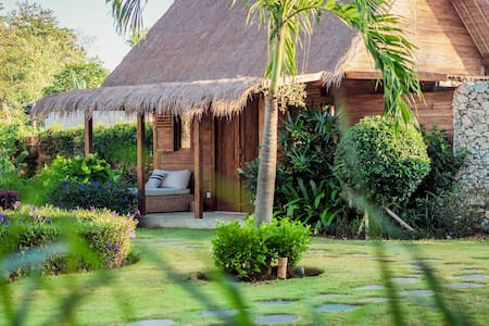 Charming Eco & Boho Bungalow - 350m Bingin Beach