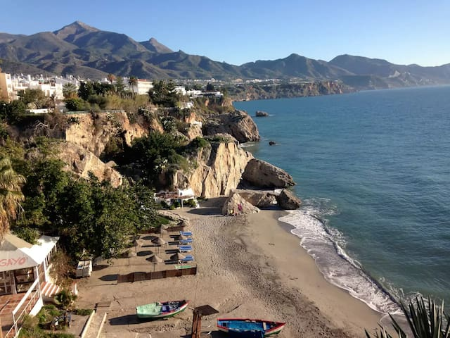 Central flat near beach with air conditioning! - Nerja - Appartement