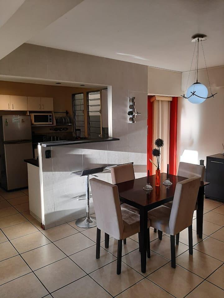 Apartamento en San Benito-Wifi-A/C-Full amueblado