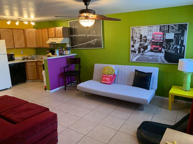 Comfy 1 Bedroom Apartment close Universal Orlando