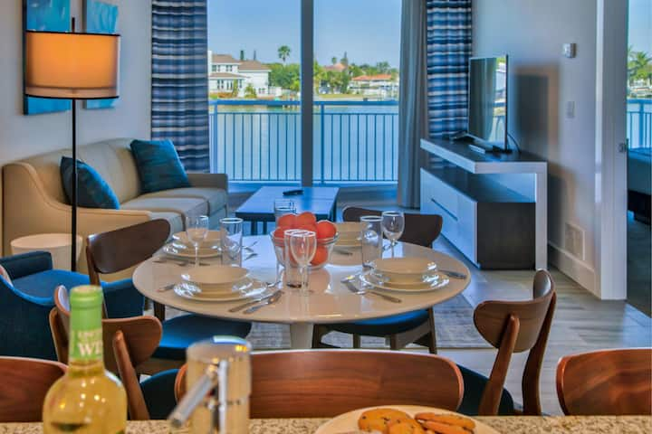 Charming 2 Bed/ 2 Bath Oceana Bay Front Suite