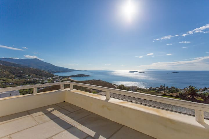 Andros Cyclades sea view house - Γαύριο - Hus