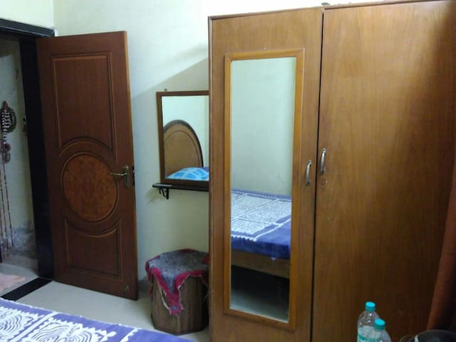 A private room for comfort in Navi Mumbai - Navi Mumbai - Rumah