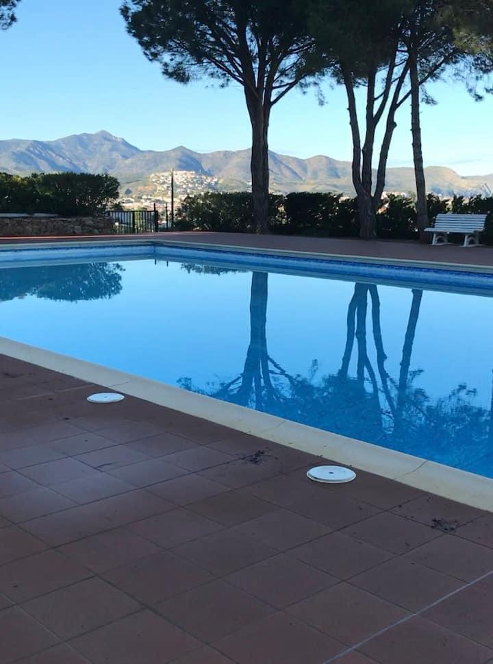 Cosy appart 2 chambres avec piscine à llança