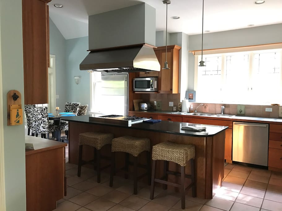 Cooks kitchen with subzero fridge and viking stove