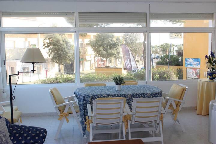 Terraza Cerrada/Windowed Terrace