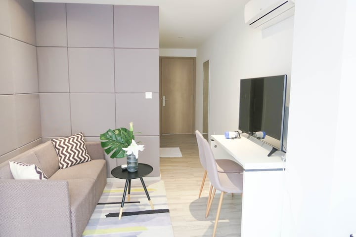 NEW Cosy Central Studio Apt w Balcony@Orchard Area