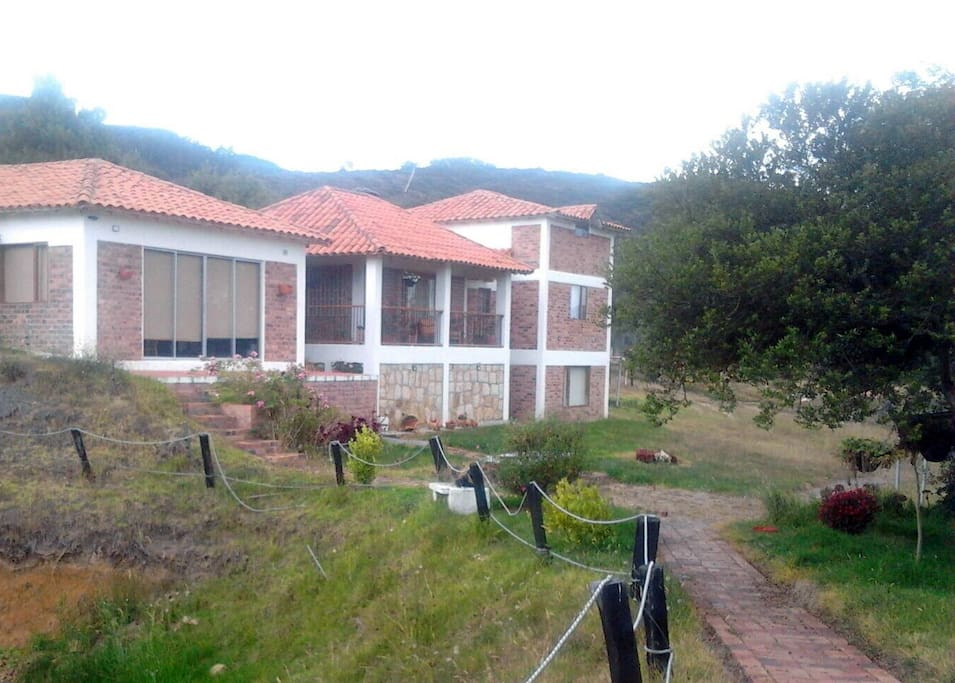 Beautiful lake front view chalet chalets for rent in for Lake front view
