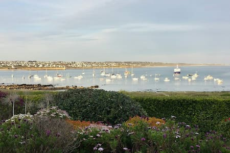 Location charme**** vacances Bretagne bord de mer - Esquibien
