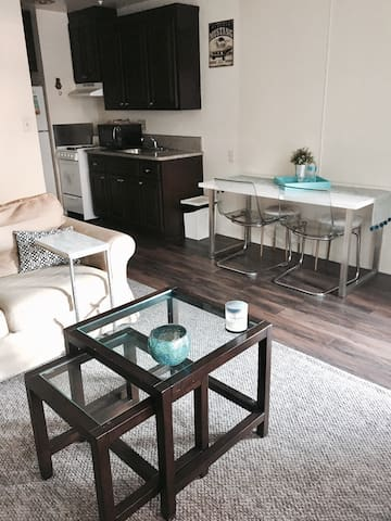 Cozy Beach apt/free park/min to LAX - Los Angeles