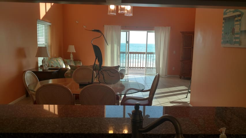 dining area looks out onto the wonderful sea