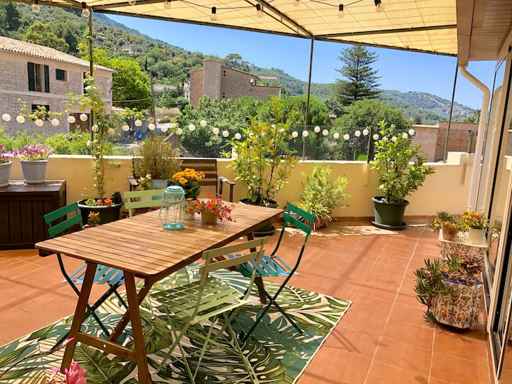 Charming Terrace Apartment Soller