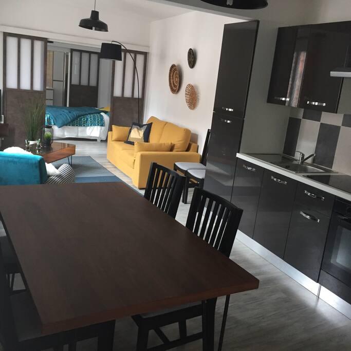 superbe loft neuf avec toutes les cha nes cinema lofts for rent in elbeuf normandie france. Black Bedroom Furniture Sets. Home Design Ideas