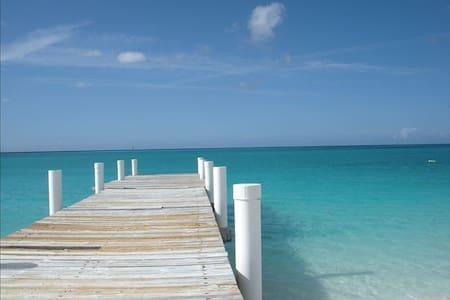 Double Studio, Grace Bay Turks & Caicos Islands