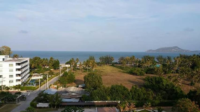 Beach condo with ocean view. - Sam Roi Yot - Apartamento