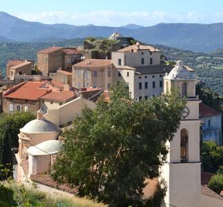 Jolie maison de village avec vue  en Balagne
