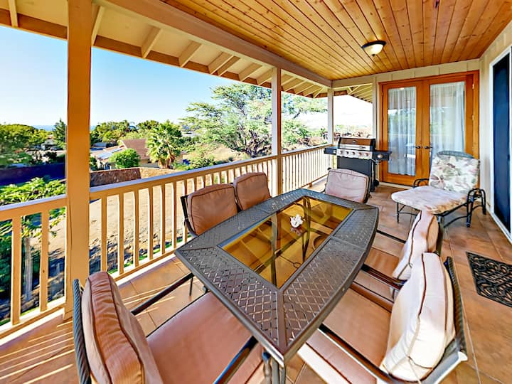 Ocean-View Waikoloa Retreat with A/C & Lanai