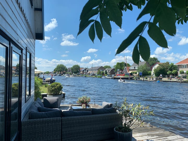 Holiday home at the water near Amsterdam/boat rent