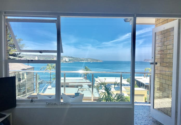 Beachside retreat with sweeping water views - Fairlight (Manly) - Apartmen