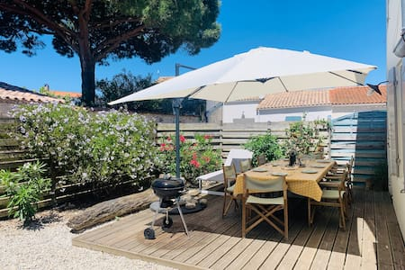 OLERON, Charming house terrace facing west