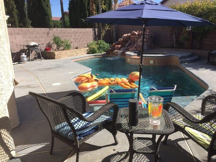 Private pool; relaxing getaway/staycaytion; WIFI