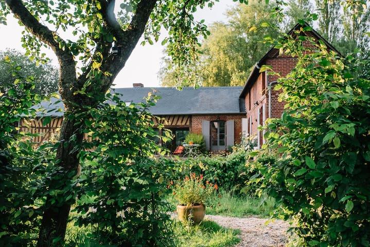 Le pré doré, Chambres d'hôtes - Bonneville-la-Louvet - Appartement