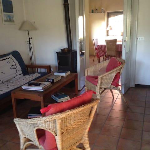 Sala con veduta sulla veranda interna