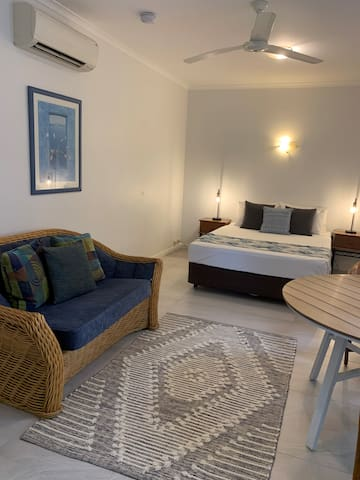 Comfortable hotel style suite for 2!