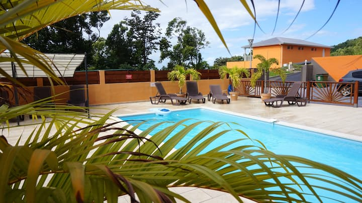 Apartment with one bedroom in Deshaies, with shared pool, enclosed garden and WiFi - 900 m from the beach