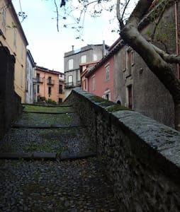 Casa centro storico, per brevi e medi periodi - Santu Lussurgiu