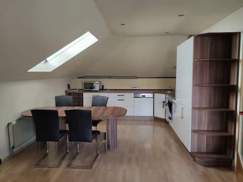 Moderne 40qm Wohnung nahe Frankfurt für 4 Personen