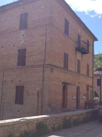 alloggi situati al primo piano