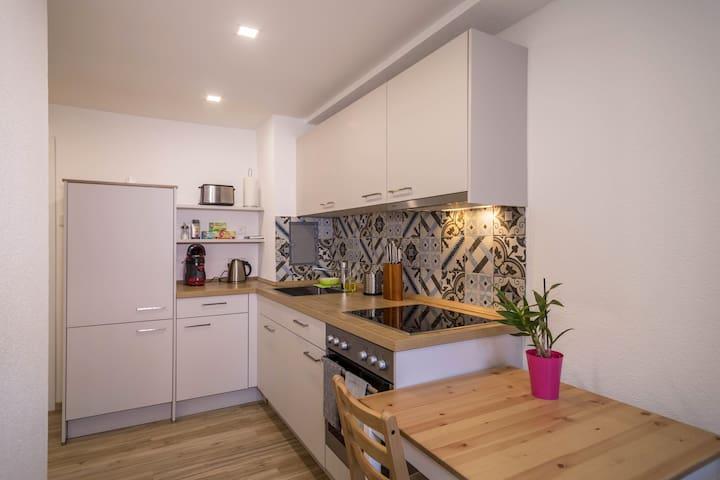 """Moderne Wohnung """"Kleine Ferienwohnung Markdorf"""" in der Nähe des Bodensees mit WLAN und Garten; Parkplätze vorhanden"""