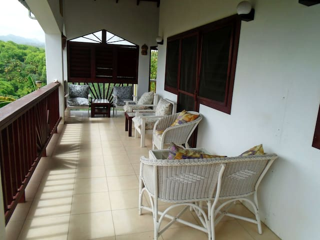 Wonderful Fully-Equipped Apartment in Choiseul!