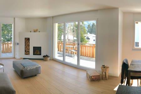 Luxuriöse, gemütliche Wohnung mit Bergaussicht