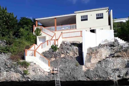 Villa with spectaculair ocean view
