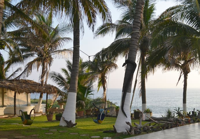 Casa LAJA. Habitación para 4 frente a la playa