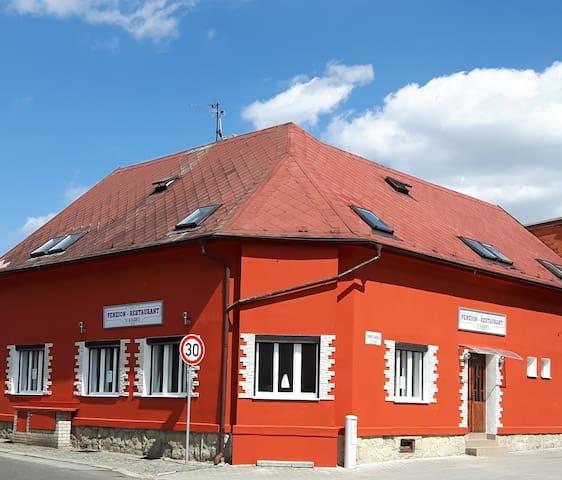 Penzion-Restaurant U Kasků - Bakov nad Jizerou - Wikt i opierunek