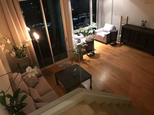 Luxury 1 BR duplex high floor ❤️BKK