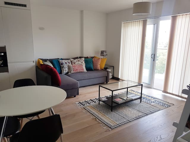 New, bright and spacious flat in East London