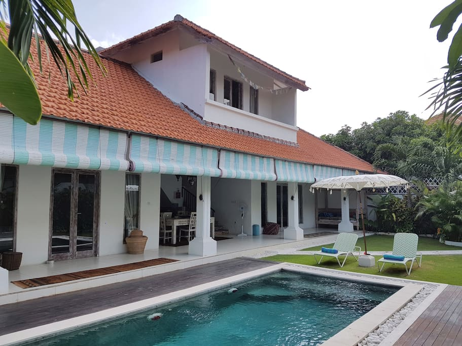 2 floors villa with a yard and private pool